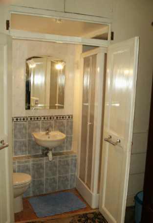 Chambres d 39 hotes et gites for Petite cabine douche